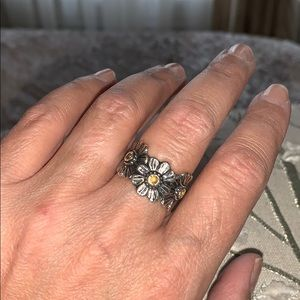 Or Paz sterling silver daisy ring